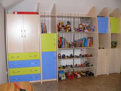 Корпусная мебель в детскую комнату